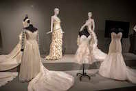 Betrothed: 250 Years of Wedding Fashion Bild 1